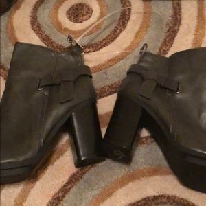 Size 9 brown a+ boots Womens
